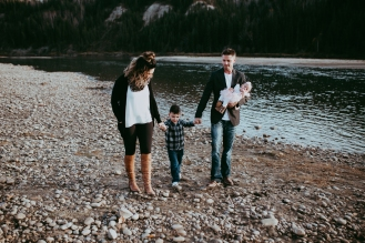 Miller's Extended Family Lifestyle Session on the banks of the North Saskachewan River by Forever 22 Photography (54)