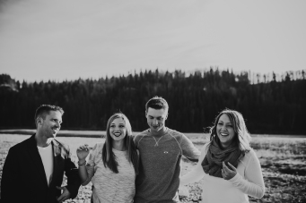 Miller's Extended Family Lifestyle Session on the banks of the North Saskachewan River by Forever 22 Photography (23)