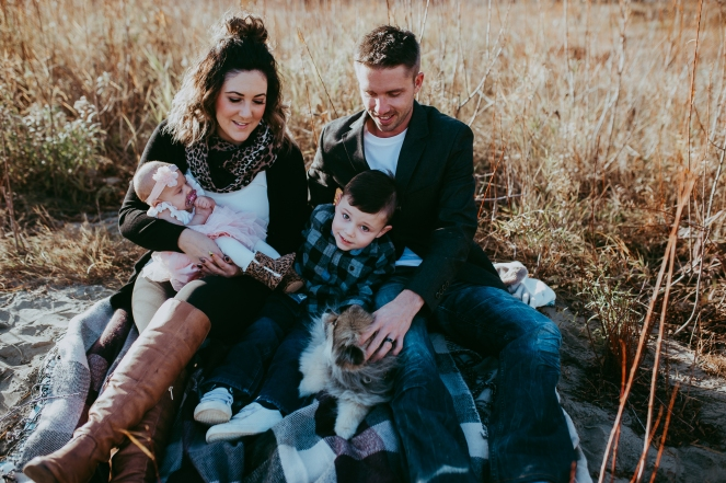Miller's Extended Family Lifestyle Session on the banks of the North Saskachewan River by Forever 22 Photography (11)