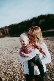 Miller's Extended Family Lifestyle Session on the banks of the North Saskachewan River by Forever 22 Photography (44)