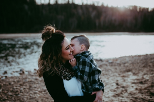 Miller's Extended Family Lifestyle Session on the banks of the North Saskachewan River by Forever 22 Photography (58)
