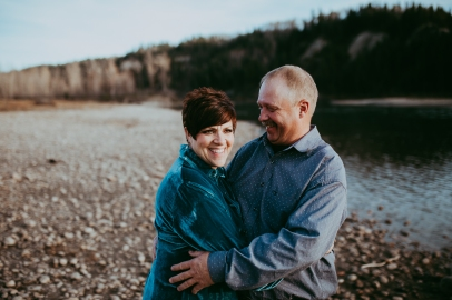 Miller's Extended Family Lifestyle Session on the banks of the North Saskachewan River by Forever 22 Photography (60)