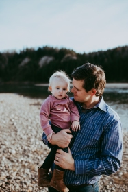 Miller's Extended Family Lifestyle Session on the banks of the North Saskachewan River by Forever 22 Photography (46)