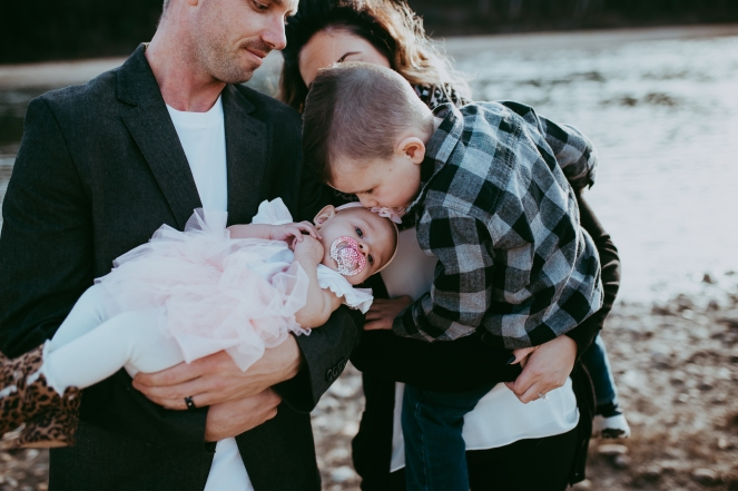 Miller's Extended Family Lifestyle Session on the banks of the North Saskachewan River by Forever 22 Photography (53)