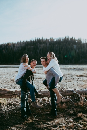 Miller's Extended Family Lifestyle Session on the banks of the North Saskachewan River by Forever 22 Photography (24)