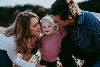 Miller's Extended Family Lifestyle Session on the banks of the North Saskachewan River by Forever 22 Photography (37)