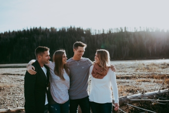 Miller's Extended Family Lifestyle Session on the banks of the North Saskachewan River by Forever 22 Photography (29)