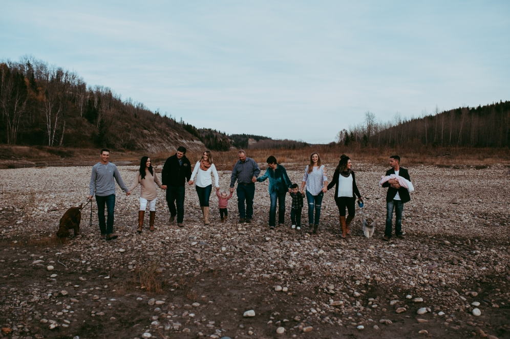 Miller's Extended Family Lifestyle Session on the banks of the North Saskachewan River by Forever 22 Photography (73)